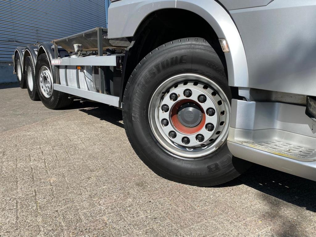 DAF XF 460 SC / 8X2 / 25T VDL Hook / Euro 6 / Automatic / NL Truck