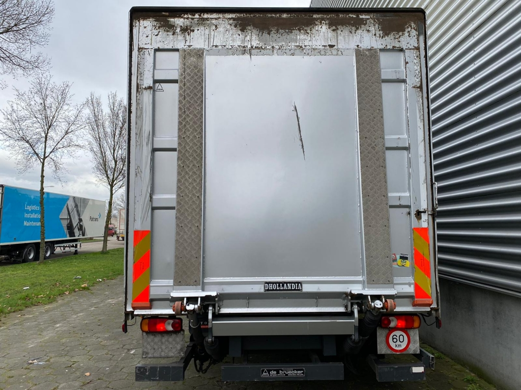 Renault Midlum 220 DXI / Euro 5 / Tail Lift / Belgium Truck