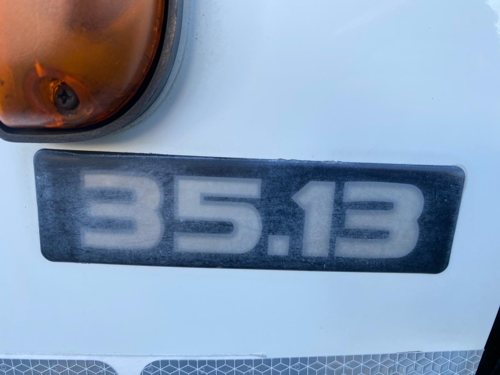 Nissan CABSTAR 35.13 / HMF 150 Crane / Airco / Dubbel Lucht / Dubbele Cabine / NL