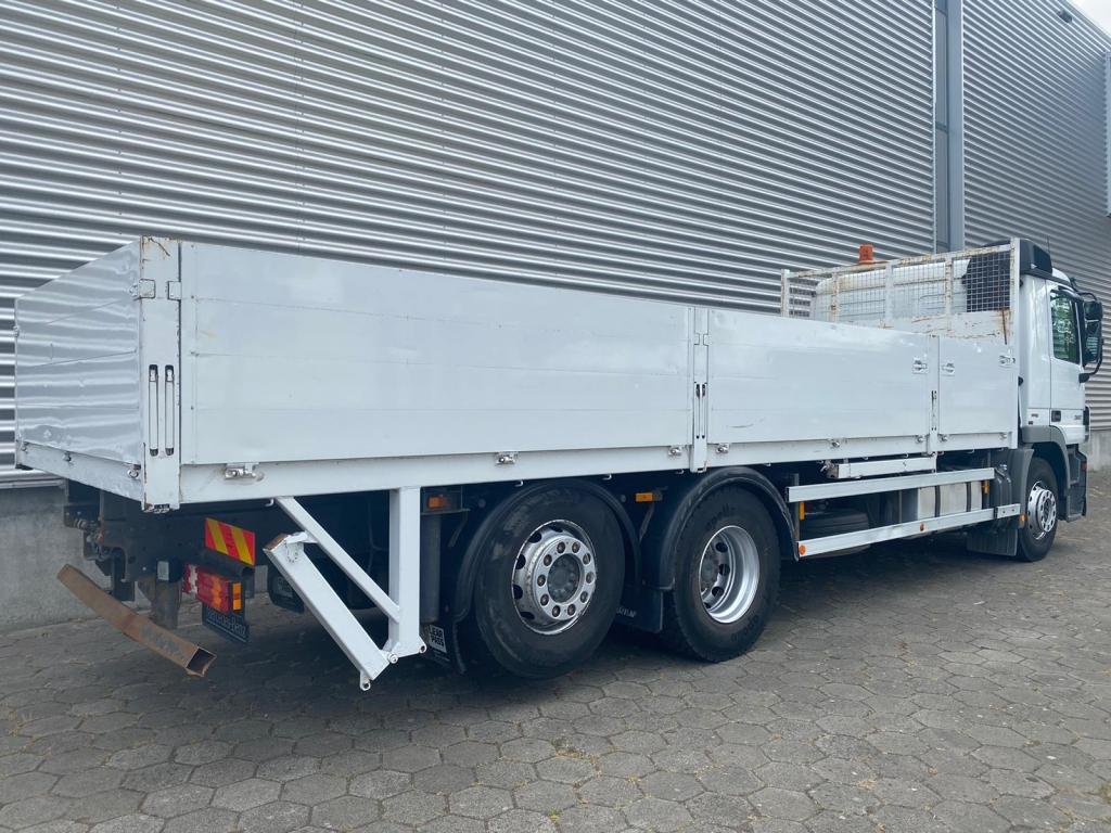 Mercedes-Benz Actros 2532 / 6X2 / Euro 5 / Belgium Truck
