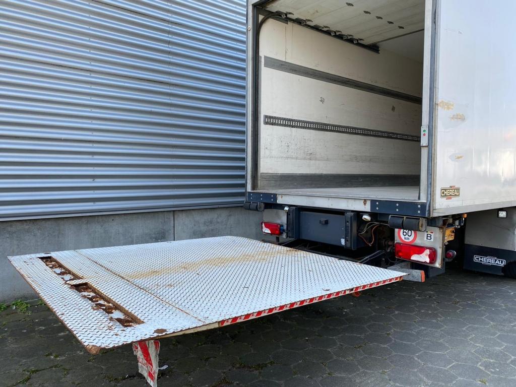 Scania P360 / Chereau / Thermoking TS-500e / Euro 5 / Tail Lift / Belgium truck.
