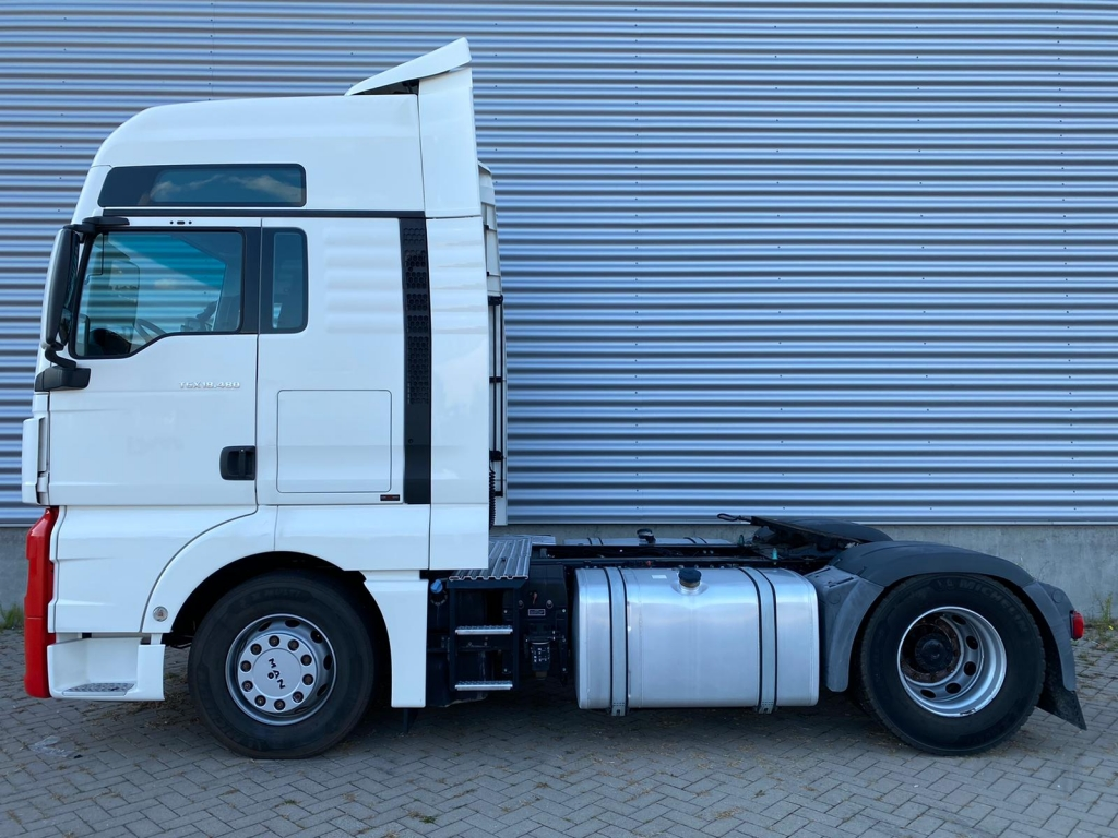 MAN TGX 18.480 XXL / Intarder / New Tires / Frigo / Euro 6