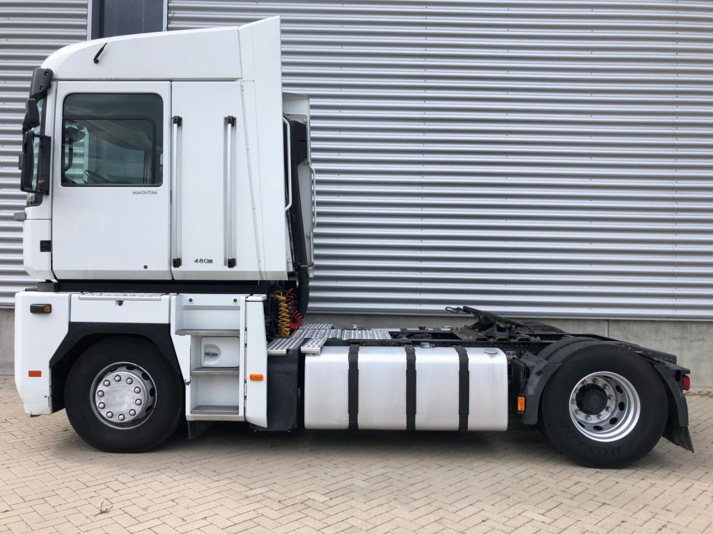 Renault Magnum 480 DXI / Frigo / 2 Tanks / Euro 5 / Belgium Truck